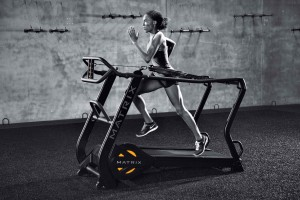 MX16_LIFESTYLE_S-DRIVE female running_full treadmill_lores